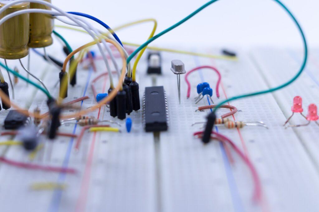 半導体が使われている集積回路製造の流れを紹介
